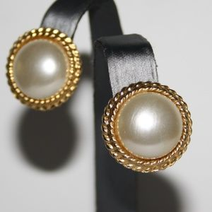 Vintage gold and pearl post earrings